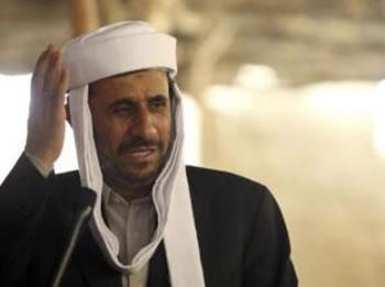 En mini-tournée africaine Ahmadinejad,L'Iran n'a «pas besoin de la bombe atomique»