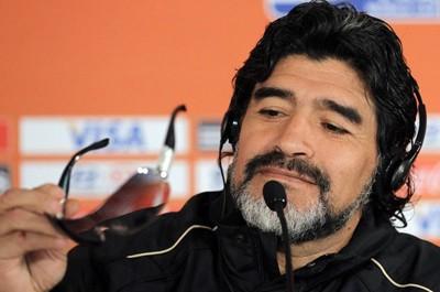"""Mobilis l'a invité pour le lancement de la 3G, Maradona : """"Félicitations aux Algériens"""""""