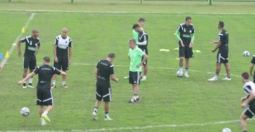 Session d'entrainement de l'équipe nationale algérienne à Malabo Ce vendredi matin