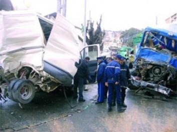 La circulation paralysée pendant plus d'une heure : Six blessés graves dans un carambolage près d'El-Ançor