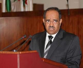 Les députés au gouverneur de la Banque d'Algérie » Vous avez détruit le dinar! «