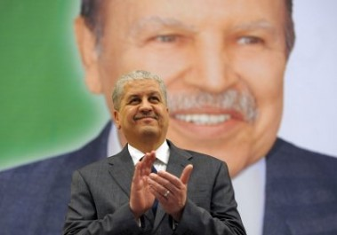 Le président renouvelle sa confiance à Sellal pour mettre en œuvre la nouvelle politique économique
