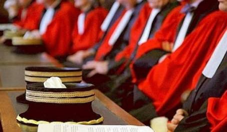 Le syndicat des magistrats se défend et menace