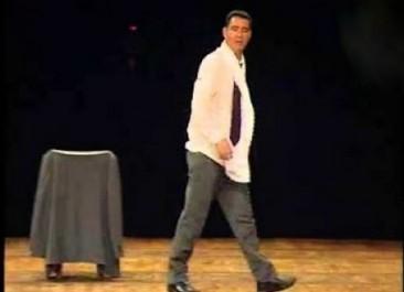Le comédien Djamel Tebibel régale le public avec son one man show «Telabe Ya Hebabe»