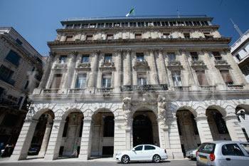 Investissements directs étrangers en Algérie: Les 51/49% ne concerneront plus les banques