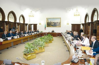 Algérie: La réunion du Conseil des ministres reportée pour mercredi prochain