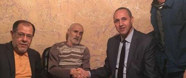 Le chanteur Amar Ezzahi transféré à l'étranger pour des soins sur ordre du Président Bouteflika