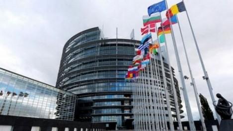 Pour l'élaboration de procédures de contrôle des organismes reconnus : L'UE fournit une assistance technique à l'Algérie