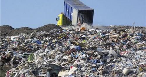 Khemis Miliana: Éradication d'une gigantesque décharge sauvage de déchets solides