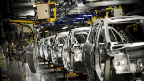 Avec l'arrivée de Peugeot, l'Algérie produira quelque 450.000 véhicules d'ici trois années (VIDÉO)