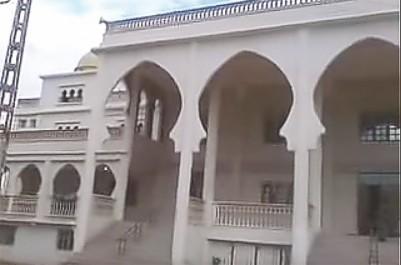 EL ATTAF :un imam empêché par la force d'officier la prière du vendredi