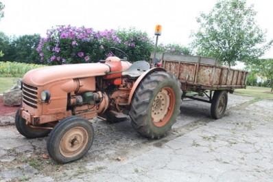 Guelma: La remorque d'un tracteur se renverse à M'djez Sfa, un mort et 3 blessés graves