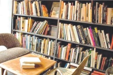 Décès du critique littéraire Ahmed Chribet à 61 ans