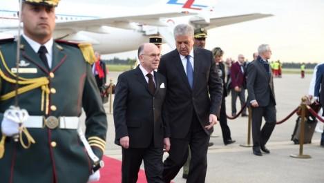 Terrorisme et commerce au centre de la visite de Bernard Cazeneuve en Algérie