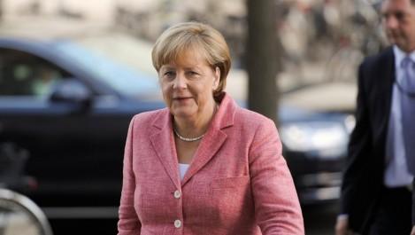 Réfugiés: Merkel pour prolonger les contrôles aux frontières en Europe