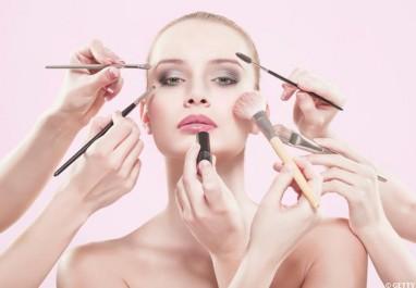 Beauté :4 Idées pour pratiquer massages et gymnastique du visage