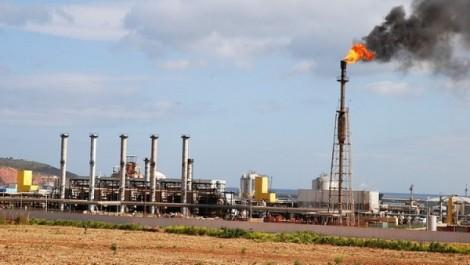 Libye: des hommes armés ferment d'un des plus grands sites pétroliers