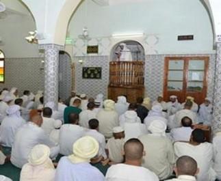 AIN KERMES (TIARET) : Les fidèles d'une mosquée observent un sit-in !