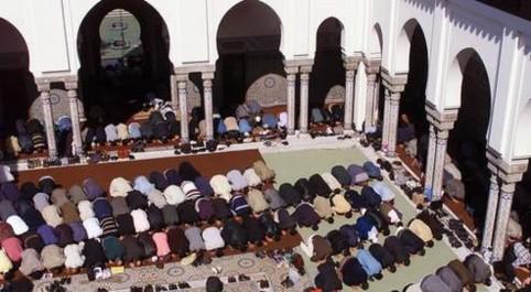 El attaf: Un imam empêché par la force d'officier la prière du vendredi