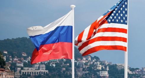 Etats-Unis: Premières mises en accusation dans l'enquête russe