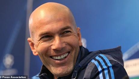 Real : Le sort du Barça n'intéresse pas Zidane