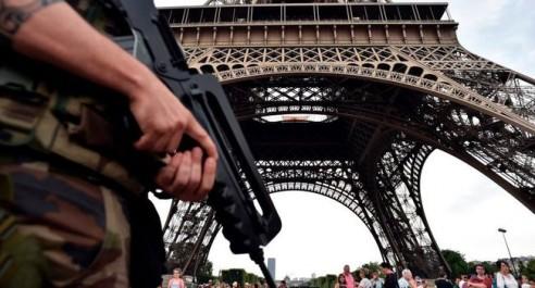 France : un policier tue 3 personnes et se suicide avec son arme de service