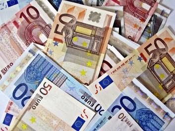 Appartenant à un réseau de trafic de devises: Un homme avale 100 000 euros!