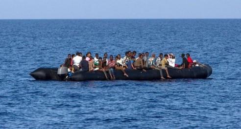 Yémen: 5 morts et 50 disparus parmi des migrants jetés à la mer