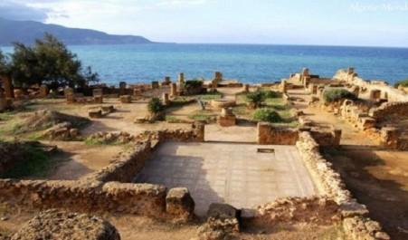 Mihoubi: l'Etat mobilisé pour la protection et l'entretien des sites archéologiques
