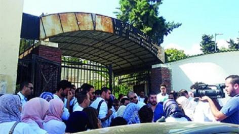 Rassemblement des médecins résidents en 2e année de chirurgie: Hadjar et Hasbellaoui interpellés