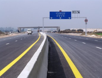 Ils vont réaliser des échangeurs, des gares de péage et des centres d'entretien : Les Italiens sur l'autoroute Est-Ouest