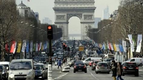 Environnement : La mairie de Paris veut interdire les voitures à essence en 2030