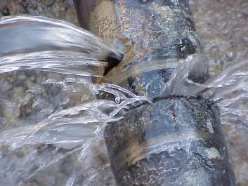 Relizane : Des habitants soucieux des fuites d'eau dans plusieurs cités de la ville