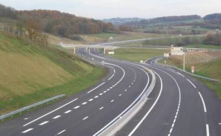 Un protocole d'accord visant la mise à profit de l'infrastructure autoroutière