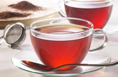 Boire du thé éclaircit le teint !