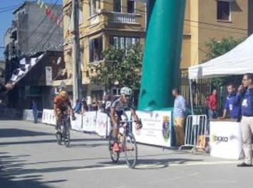 Cyclisme – Grand prix international d'Alger : Mohamed Bouzidi du Vélo Club Sovac s'adjuge la 1ère étape et s'empare du maillot jaune