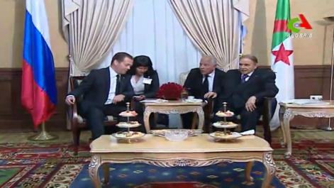 Le Président Bouteflika reçoit le Premier ministre russe
