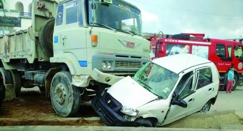 Mostaganem : Un camion percute 04 voitures à Tigditt