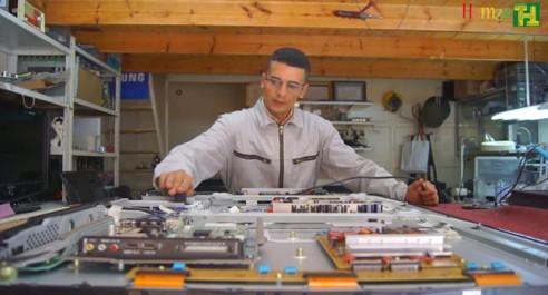 Un jeune invente un téléviseur à écran recto-verso