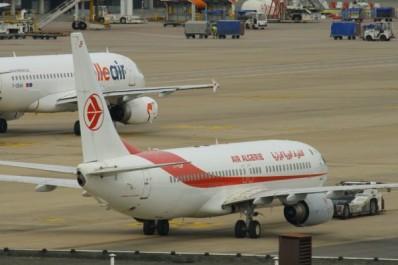 Exercice de simulation à l'aéroport de Bejaia : désamorçage d'une bombe à l'intérieur d'un avion