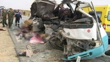 6 blessés dans une collision entre un car et un taxi