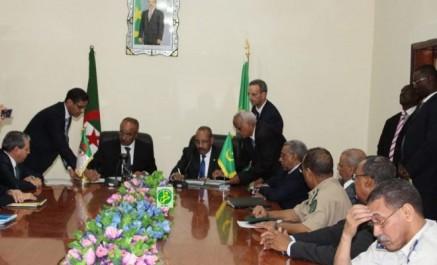 Bedoui signe un accord de création d'un passage frontalier entre l'Algérie et la Mauritanie