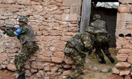 Découverte d'une cache contenant un pistolet automatique et deux chargeurs garnis à Djanet