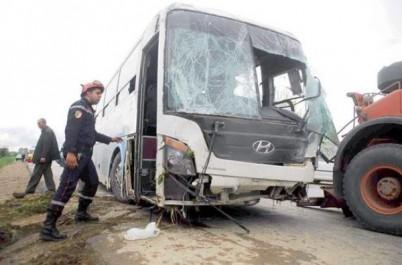Collision entre un bus et un camion à Batna : Un mort et huit blessés