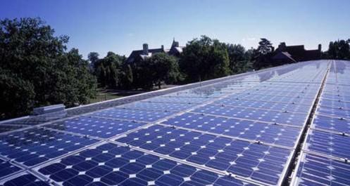 Algérie : une usine de fabrication de panneaux solaires en vue