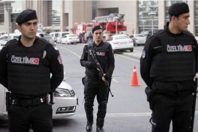 Turquie : 82 Étrangers projetant de se rendre en Syrie arrêtés dans des raids anti-daech