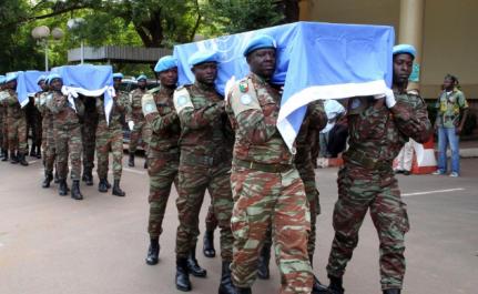 Mali : Trois casques bleus et un soldat malien tués dans le nord-est