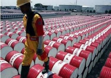Le pétrole se maintient à ses plus hauts niveaux depuis juillet 2015 : Le baril sous la menace des Américains