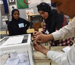 Elections locales : Alors que Gaid Salah exhorte l'armée à grantir un climat de sécurité le 23 novembre 180.000 policiers sur la brèche
