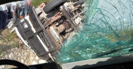 Aïn Defla Un car de transport scolaire perd ses freins à Aïn Soltane
